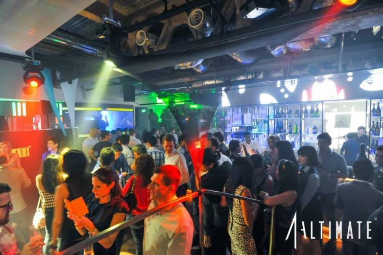 altimate-1altitude-club-party-venue-spaces-venuerific-blog-places-Raffles-vodka-champagne