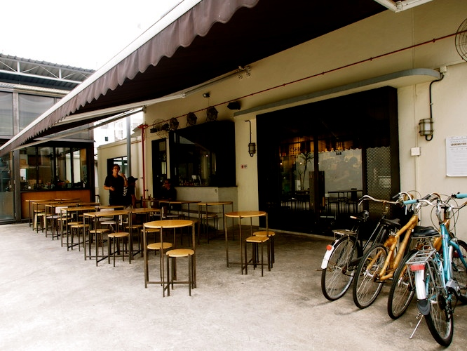 Cafe-spaces-venuerific-blog-chye-seng-huat-outdoor