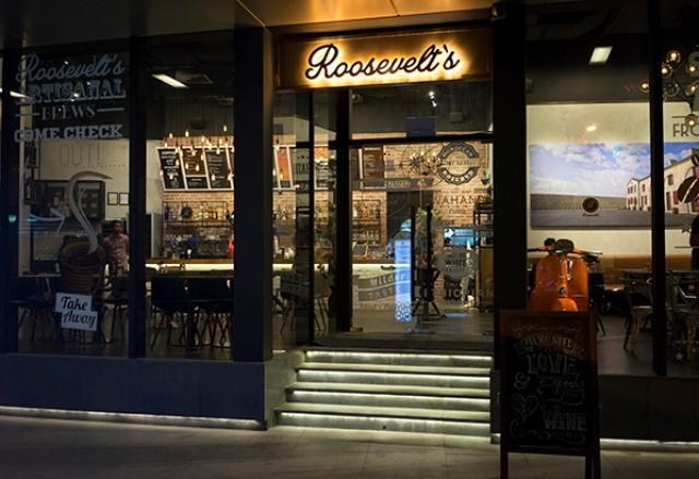Roosevelts-Bar-Cafe-Restaurant