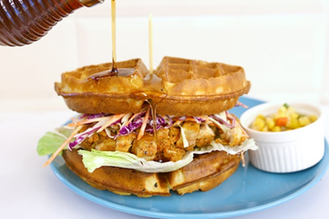 Cafe-spaces-venuerific-blog-Roosevelt's-Cafe-Bar-waffle-sandwich