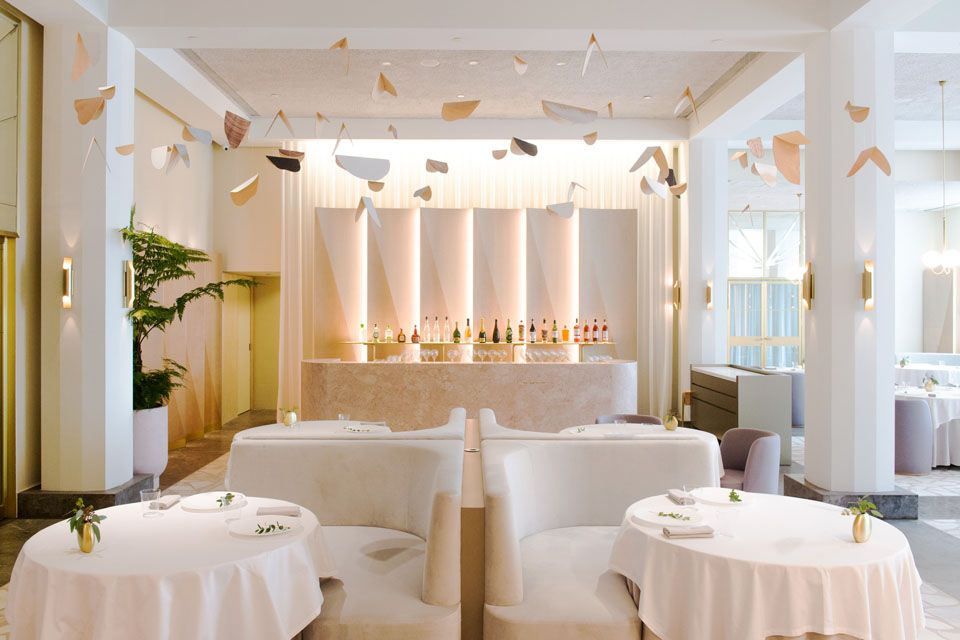 Romantic-restaurant-venuerific-blog-odette-restaurant