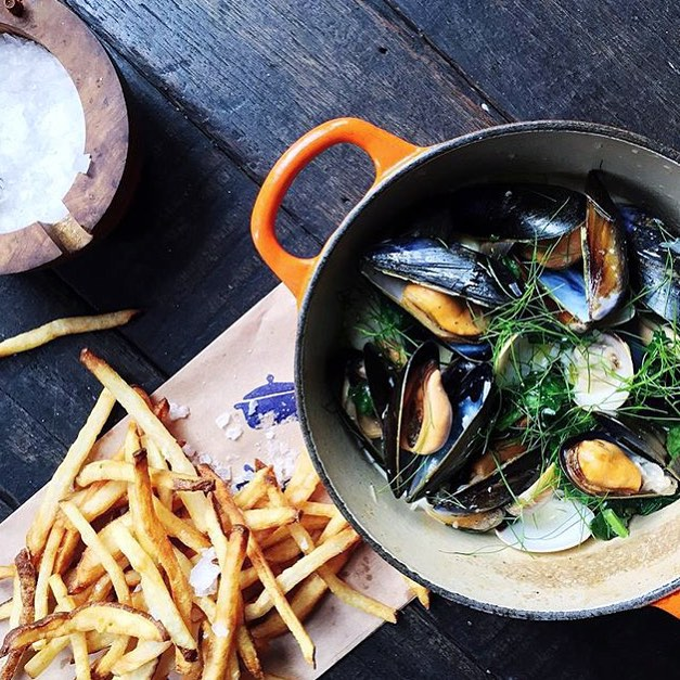 unlisted-collection-venuerific-blog-cocotte-mussels-clams