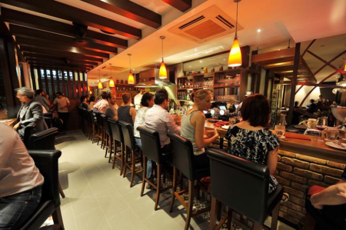 best-lunch-deals-singapore-venuerific-blog-binomio-bar-area