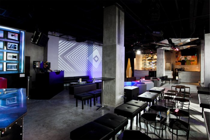 Canvas-birthday-party-space