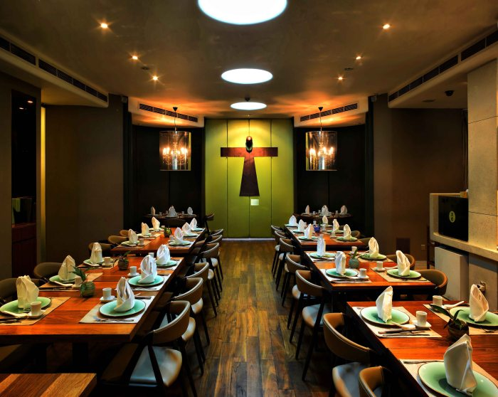 majestic restaurant_Int2b