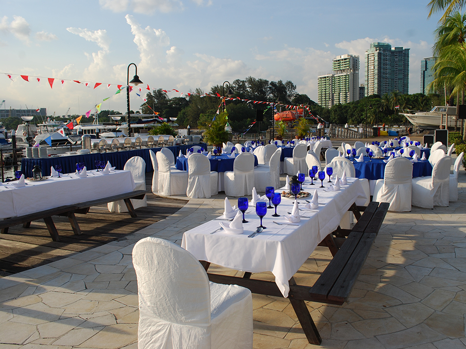 Unconventional-prom-venues-venuerific-blog-Republic-of-Singapore-Yacht-club-outdoor