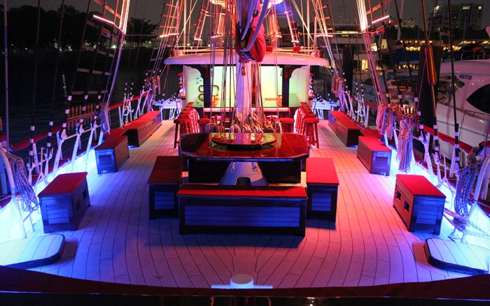 Unconventional-prom-venues-venuerific-blog-Royal-Albatross-luxury