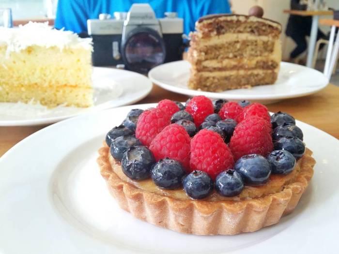 Dessert-Cafes-venuerific-blog-the-fabulous-baker-boy-tart