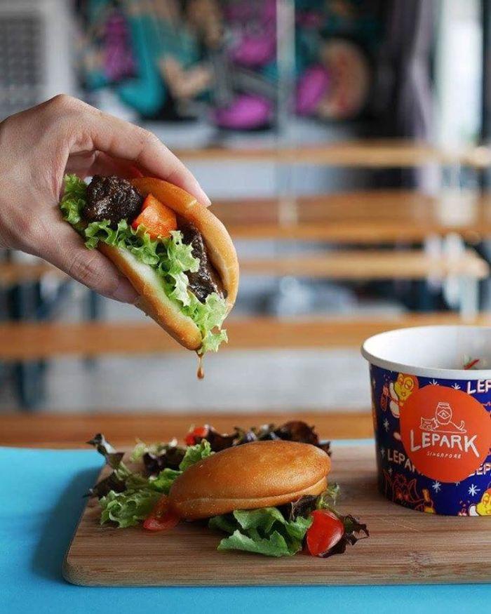 Singaporean-Fusion-Food-venuerific-blog-Lepark-bao
