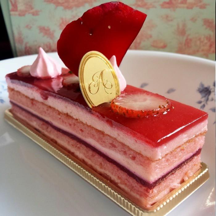 Dessert-Cafes-venuerific-blog-antoinette-dessert