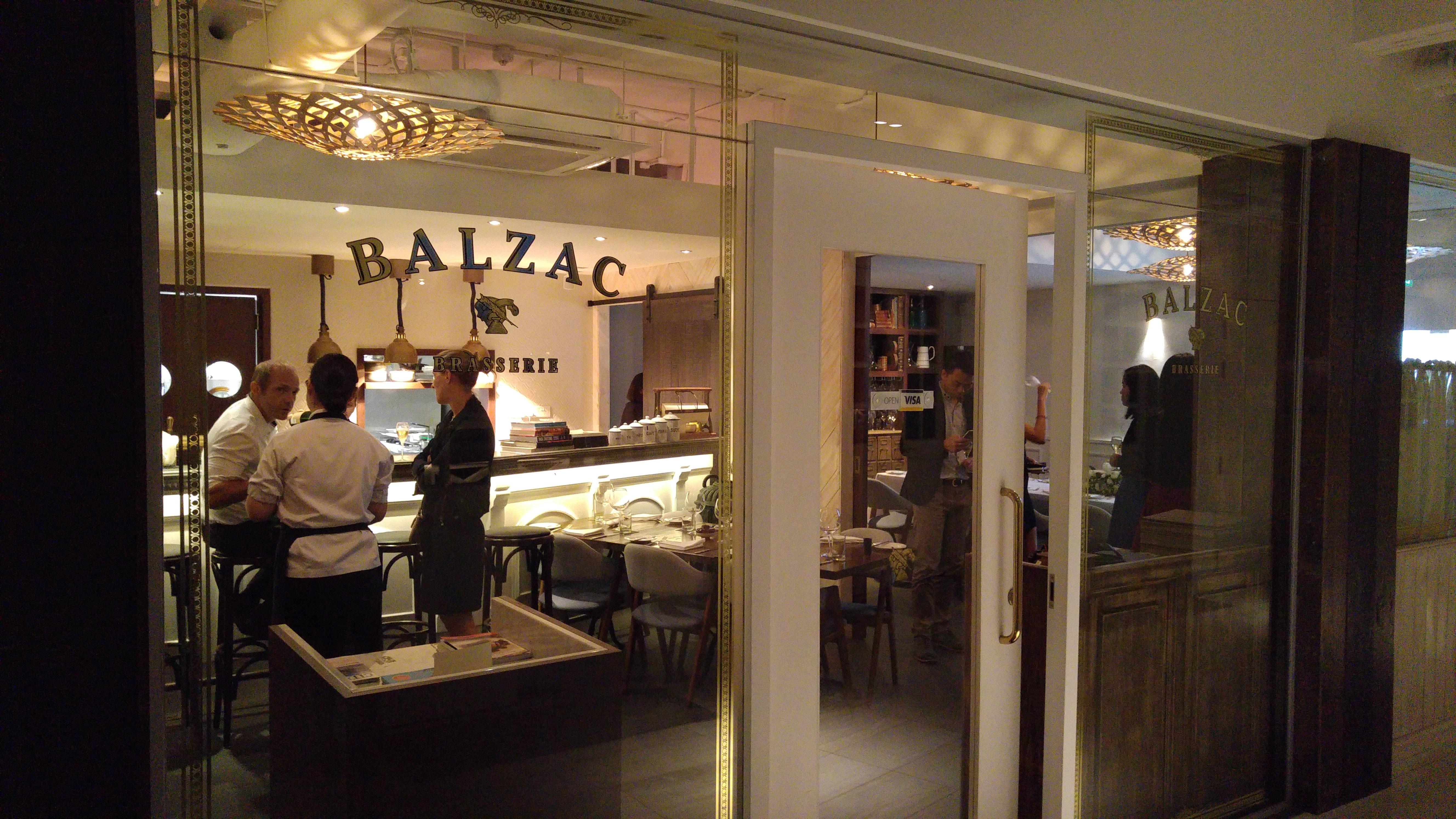 Balzac-Brasserie-Bar-fort-venuerific-blog-elegant-interior