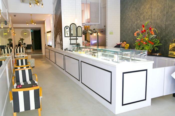 Dessert-Cafes-venuerific-blog-mad-about-sucre-dessert-case