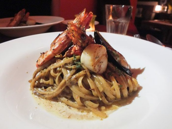 Singaporean-Fusion-Food-venuerific-blog-eight-cafe-bar