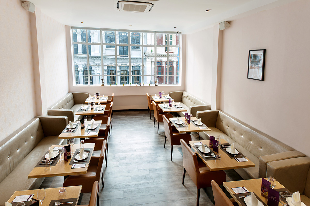 Best-dining-deals-venuerific-blog-violet-herbs-comfortable-seatings