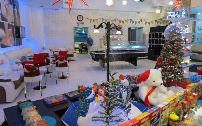 Dessert-Cafes-venuerific-blog-santa's-igloo-interior