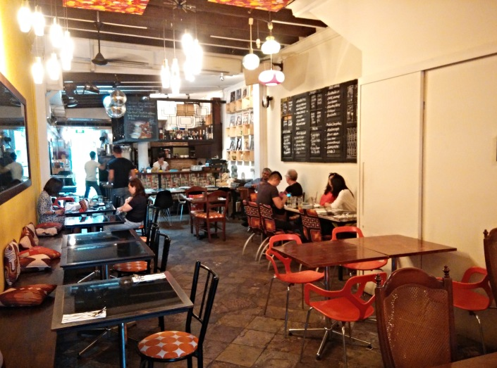 Singaporean-Fusion-Food-venuerific-blog-eight-cafe-bar-interior