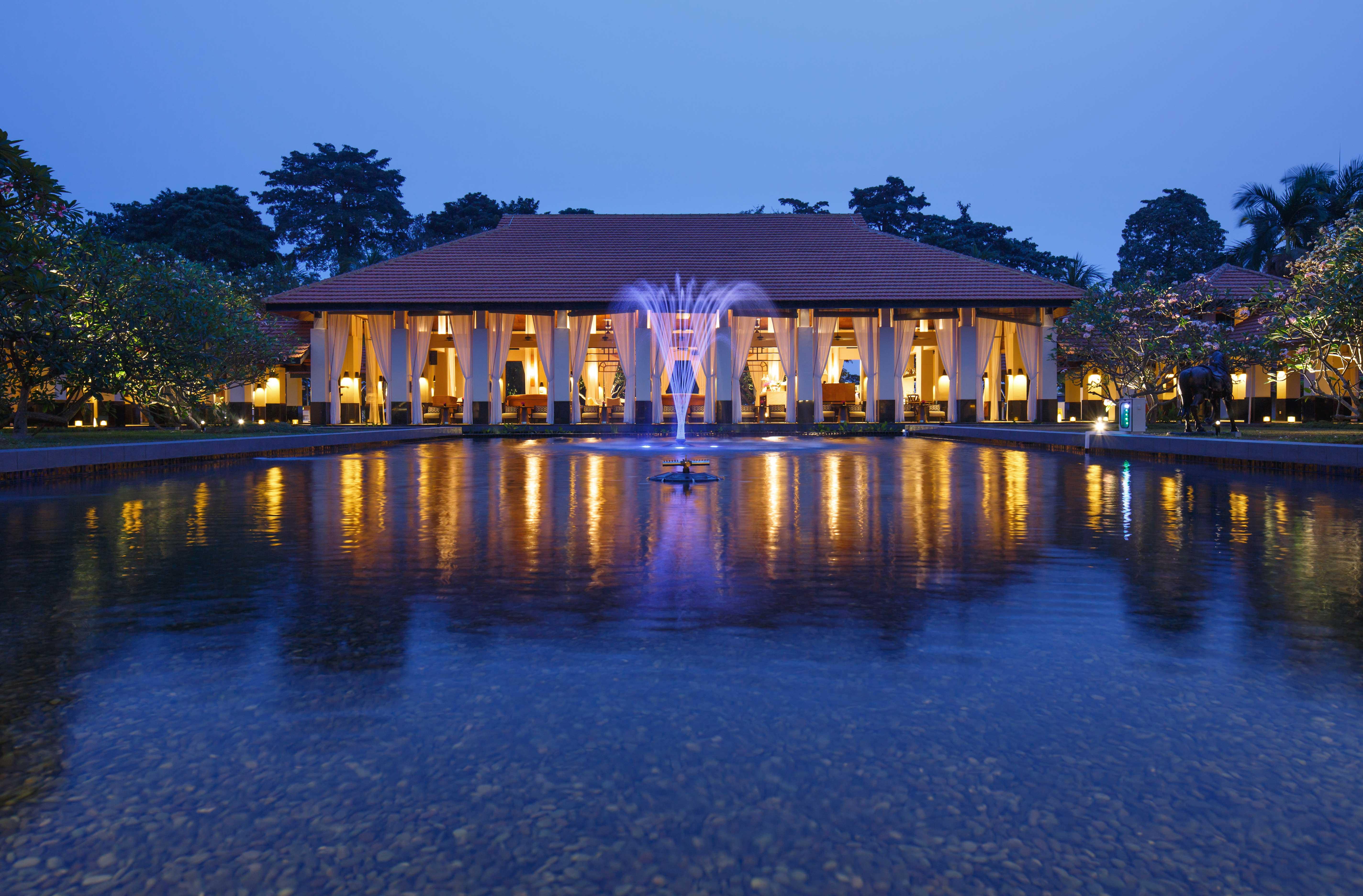 Sofitel-Singapore-Sentosa-Resort-Spa-venuerific-blog-lebar-fountain