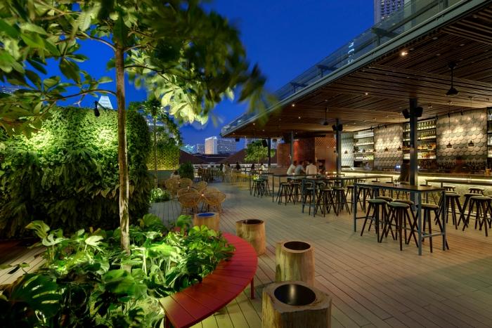 Singaporean-Fusion-Food-venuerific-blog-loof-exterior