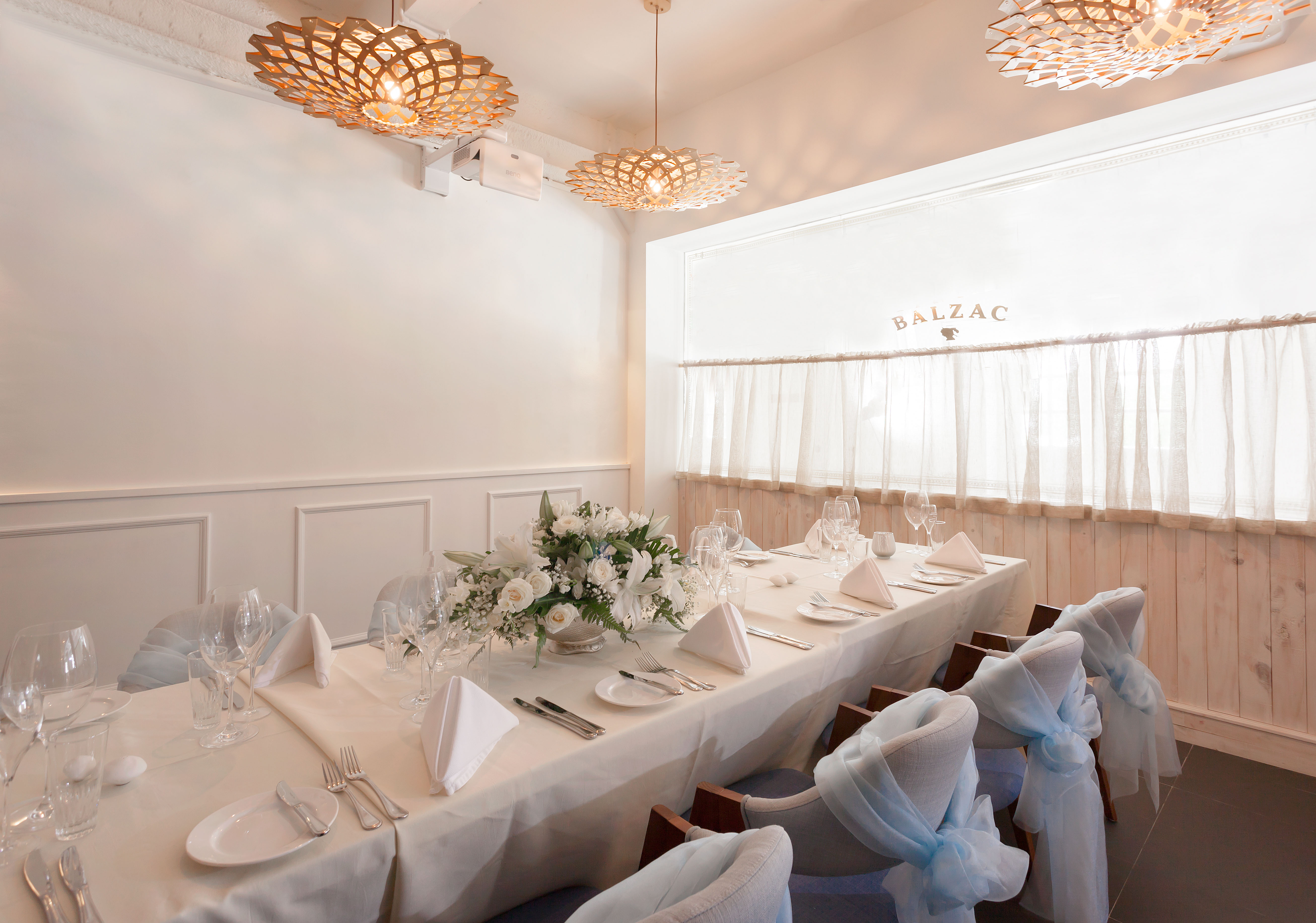 Balzac-Brasserie-Bar-fort-venuerific-blog-wedding-setup