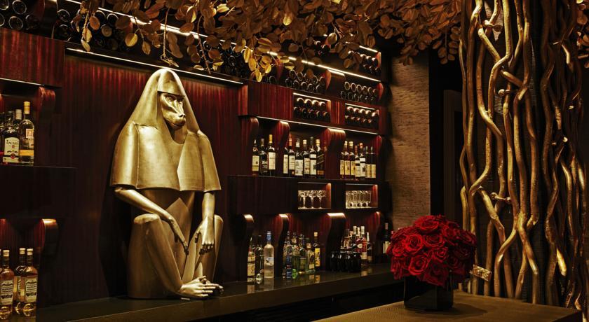 Unique-themed-parties-venuerific-blog-hotel-vagabond-cocktail-bar