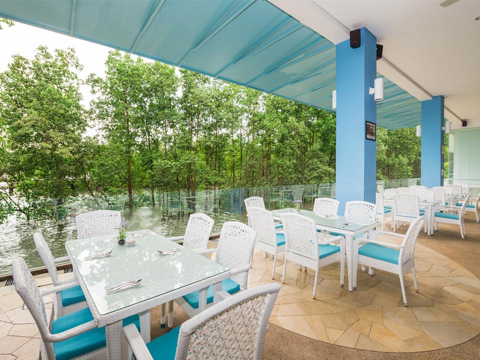 Unique-themed-parties-venuerific-blog-sea-scent-restaurant-blue