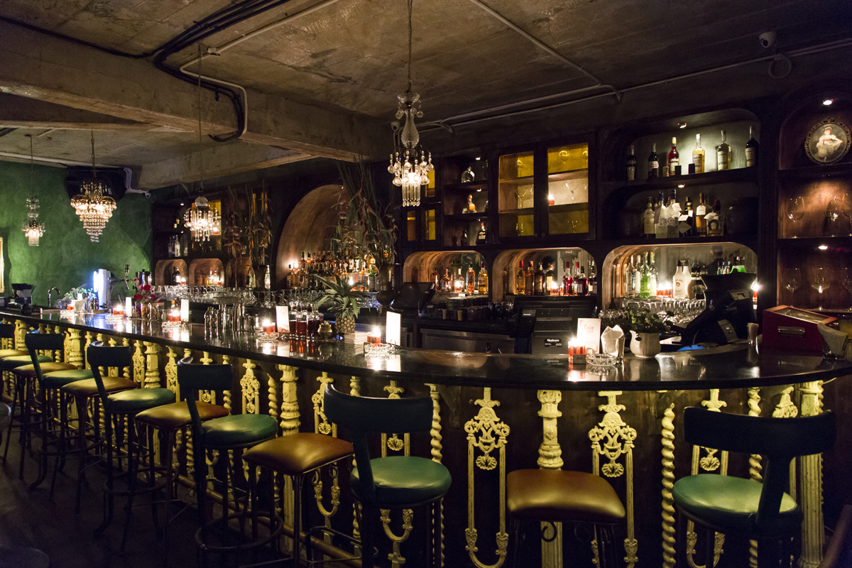 Breathtaking-venues-venuerific-blog-lola-bar