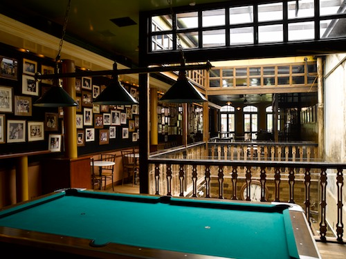 unique-theme-parties-venuerific-blog-no5-pool-table
