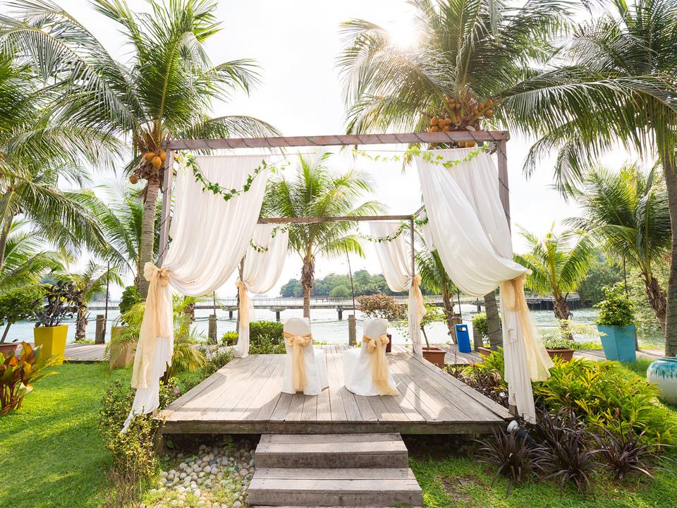 Unique-themed-parties-venuerific-blog-sea-scent-restaurant-ceremony