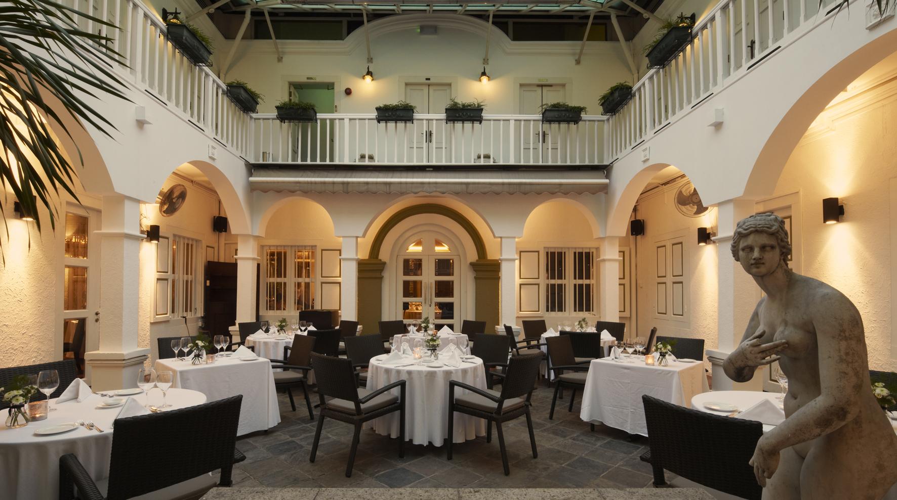 Unique-themed-parties-venuerific-blog-senso-ristorante-bar