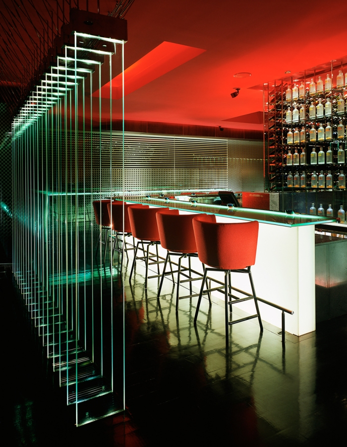 burgundy bar with vodka display_8837_med