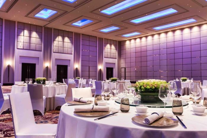 Fairmont-hotel-jakarta-Banquet-Ballroom-Birthday-Round-Table