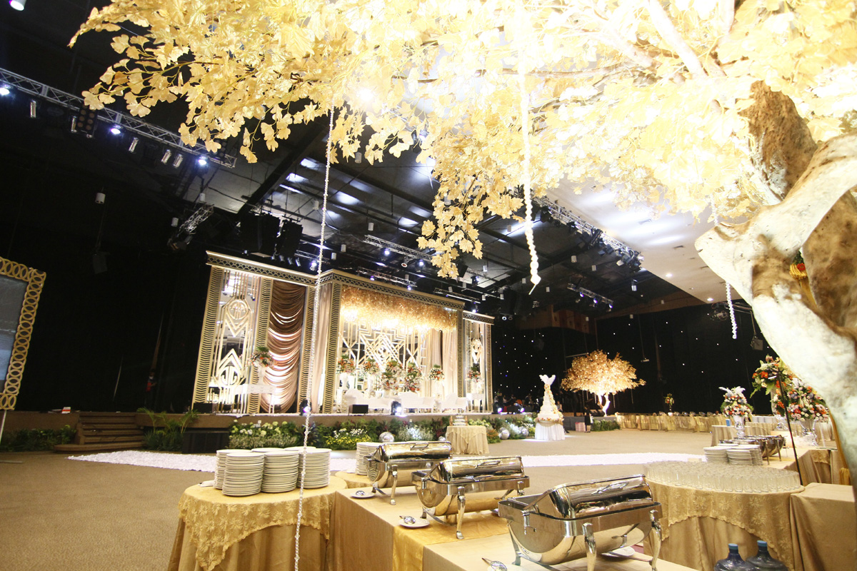 big-vs-intimate-weddings-venuerific-blog-integrity-convention-centre-interior