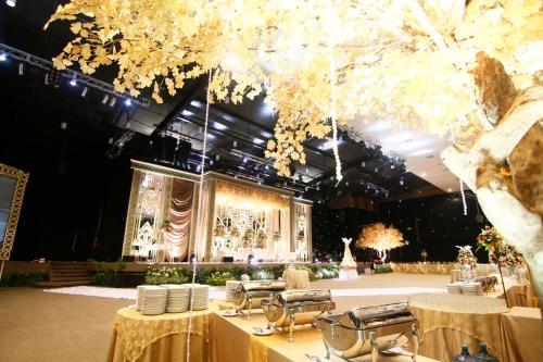 big-vs-intimate-weddings-venuerific-blog-integrity-convention-centre-interior