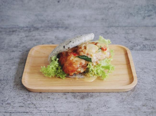 salted-egg-yolk-dishes-venuerific-blog-bao-makers-mantou
