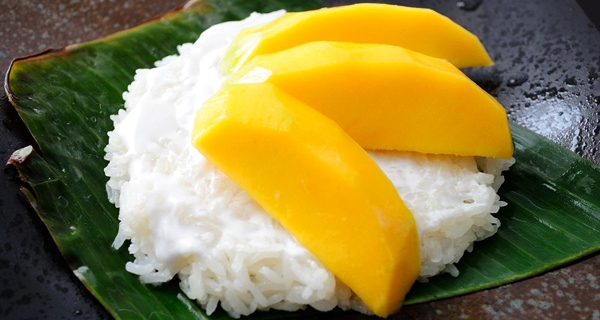 Popular-street-food-venuerific-blog-manho-sticky-rice