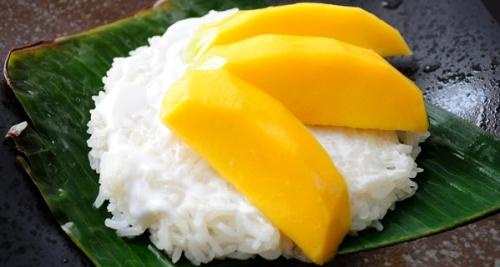 Popular-street-food-venuerific-blog-manho-sticky-rice