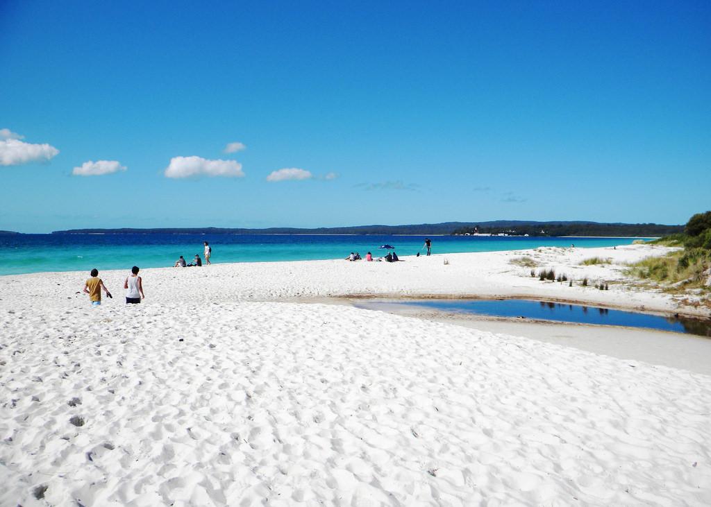 4-hyam-beach-white-sand-beach-farm8-staticflickr-com