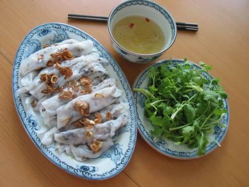 Popular-street-food-venuerific-blog-spring-roll