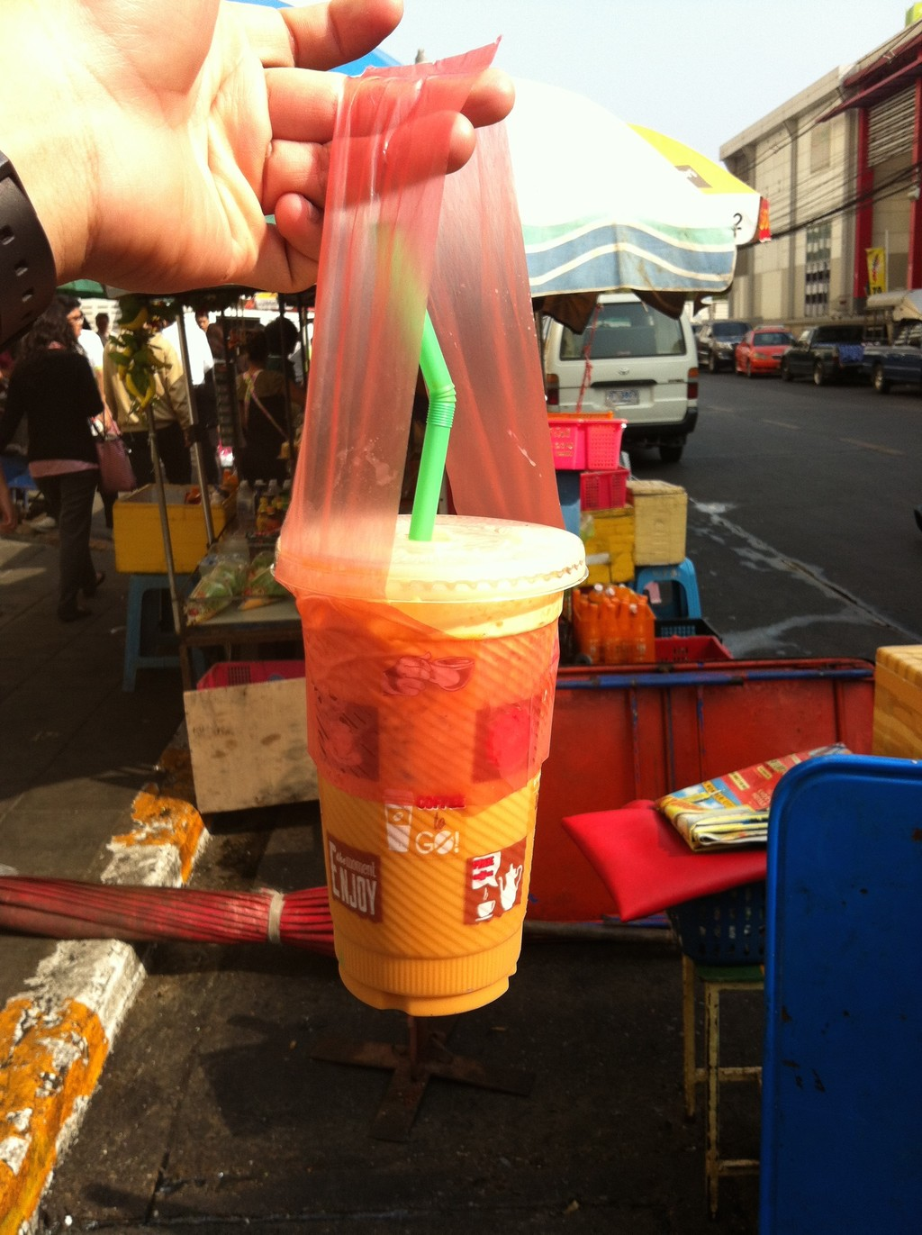 Popular-street-food-venuerific-blog-thai-ice-tea