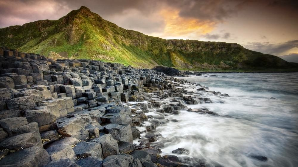 giants-causeway-ireland-shoretoursworld